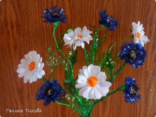 Цветы ромашки из пластиковых бутылок 2