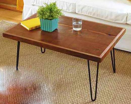 Журнальный столик с металлическими ножками
