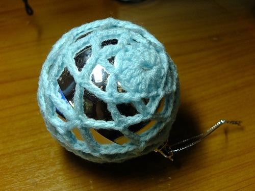 Вязаный шар на елку мастер класс