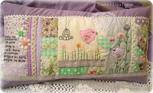 Сиреневая подушка из лоскутов