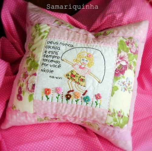 Подушка с вышивкой девочки