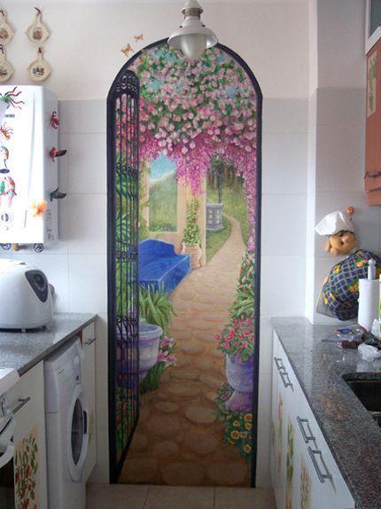 Объемная роспись на стене - арка в цветущий сад